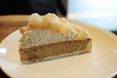 yummy пирог персика на таблице Стоковое фото RF