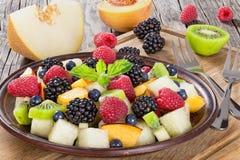 Yummy салат десерта лета плодоовощ и ягоды Стоковая Фотография RF