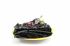 Yummy именниный пирог обломока шоколада изолированный на белой предпосылке Стоковые Фотографии RF