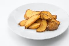 Yummy aardappelen in de schil van Nice op witte rug royalty-vrije stock afbeeldingen