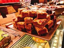 Yummy chocoladebrownie in buffet van het hotel royalty-vrije stock afbeeldingen