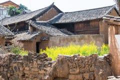YUNNAN, CHINA - 20 DE MARZO DE 2015: Pueblo antiguo de Shaxi una ANC famosa Fotografía de archivo