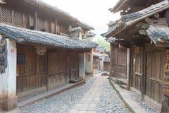 YUNNAN, CHINA - 21 DE MARZO DE 2015: Pueblo antiguo de Shaxi una ANC famosa Imagen de archivo