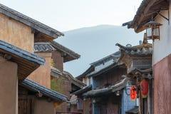 YUNNAN, CHINA - 21 DE MARZO DE 2015: Pueblo antiguo de Shaxi una ANC famosa Imágenes de archivo libres de regalías
