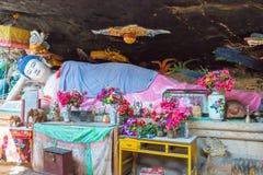 YUNNAN, CHINA - 21. MÄRZ 2015: Baoxiang-Tempel an Shibaoshan-Berg Lizenzfreie Stockfotos