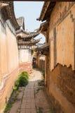 YUNNAN, CHINA - 22. MÄRZ 2015: DAS OUYANG-HAUS bei Shaxi altes v Lizenzfreies Stockfoto