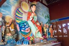 YUNNAN, CHINE - 21 MARS 2015 : Temple de Baoxiang au bâti de Shibaoshan Photographie stock