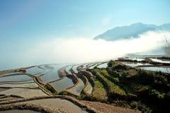 Yunnan, Chine, Yuanyangtitian, nuages autour, Photos stock