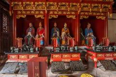Yunnan Honghe prefekturJianshui tempel stora Hall på båda sidor som medföljer erbjudande tolv filosof Confucius Royaltyfri Bild