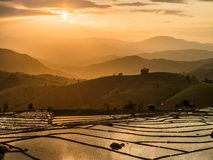 Yunnan Kina solnedgång royaltyfria foton
