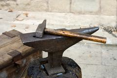 Yunque y martillo Fotos de archivo