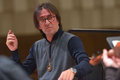 Yuri Bashmet op de repetitie Stock Foto's