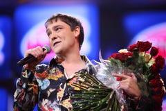 Yuri Shatunov en escena durante concierto Fotografía de archivo