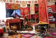 Yurt内部显示在Sabantui庆祝在莫斯科 免版税库存照片