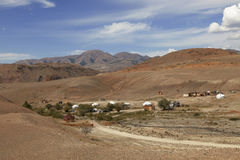 Yurt野营的Tydtuyaryk,阿尔泰山 免版税库存照片