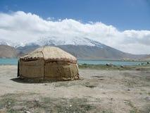 Yurt au lac karakul Photos stock