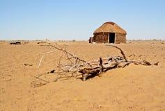 Yurt du ` s de berger dans un désert photo libre de droits
