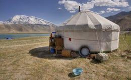 Yurt en provincia del lago del karakol, Xinjiang Imagen de archivo libre de regalías