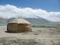 Yurt nel lago karakul Fotografie Stock
