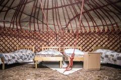 Yurt que acampa en Kirguistán imagen de archivo