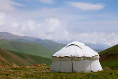 Yurt réel de berger en le Kyrgyzstan Tien Shan Photo libre de droits