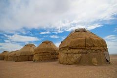 Yurtas, traditionelle Häuser der asiatischen nomades lizenzfreie stockbilder