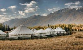 Yurts mongol de Kanas Lake Fotografía de archivo