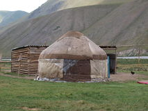Yurts nello Shan di Thian nel Kirghizistan Immagine Stock