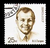 Yury Gagarin in burgerlijke kleding, 30ste Verjaardag van de Eerste Mens binnen Stock Foto's