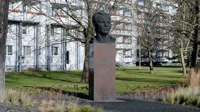 Yury Gagarin, primeiro cosmonauta, monumento em Erfurt, Alemanha, video estoque