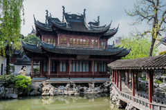 Yuyuan trädgårdshanghai porslin royaltyfria foton