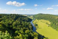 Yvallei en Riviery tussen de provincies van Herefordshire en Gloucestershire Engeland het UK van Yat-Rots Stock Foto's