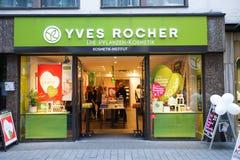 Yves Rocher shoppar Arkivfoto