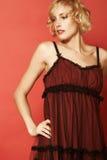 Yvette em um vestido vermelho Fotos de Stock