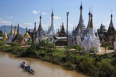 Ywama Paya - озеро Inle - Мьянма (Бирма). Стоковые Фотографии RF