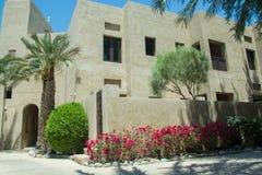 Żywi pokoje buiding przy luksusową arabską pustynią uciekają się Zdjęcia Royalty Free