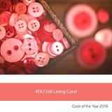 Żywy Koralowy kolor rok, Starzy guziki obraz stock