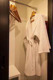 żywy luksusowy nowożytny pokój Nowożytny styl w hotelu Relaksuje pokój ludzie gdy urlop w hotelu Fotografia Stock