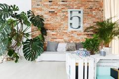 Żywy pokój w loft obraz stock