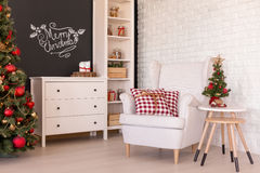 Żywy pokój z boże narodzenie dekoracjami Zdjęcie Stock
