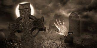 Żywy trup ręka pęka od grób Zdjęcie Stock