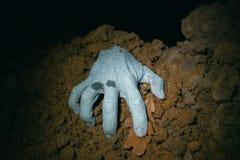 Żywy trup ręki przybycie z jego grób Zdjęcia Stock