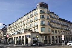 ZÃ-¼ reiche Stadt: Die Architektur des Steigenberger-Hotels nahe B lizenzfreies stockbild