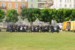 ZÃ-¼rik-stad: Polisen får klar för arbetedagen på arkivfoto