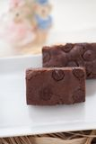 Zäher Fudge-selbst gemachte Schokoladenkuchen Stockbild