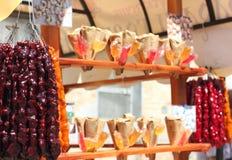 Zähler mit orientalischen Bonbons Stockfotografie