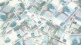 Zählung von russischen Rubeln stock video