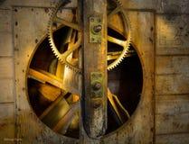 Zähne, Gänge, alte Wasser-Mühle Stockbilder