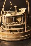 Zähne und Gänge einer alten Uhr Stockfotografie