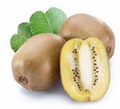Złote kiwi owoc lub Chińscy agresty odizolowywający na białym tle fotografia stock